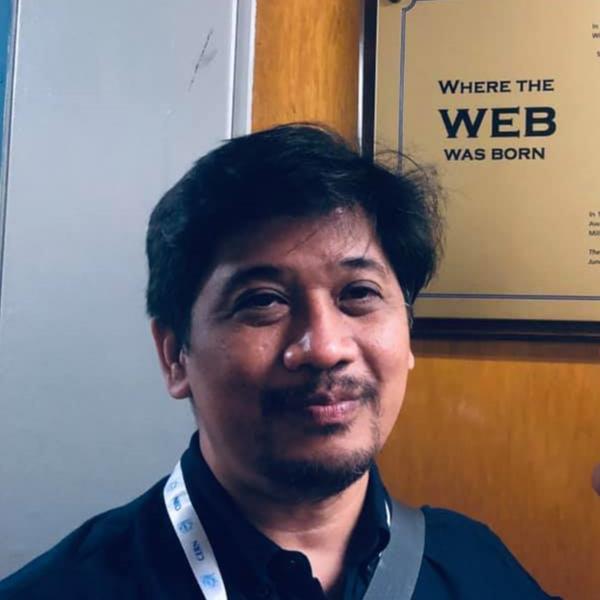Dr. Giovanni Tapang's photo'